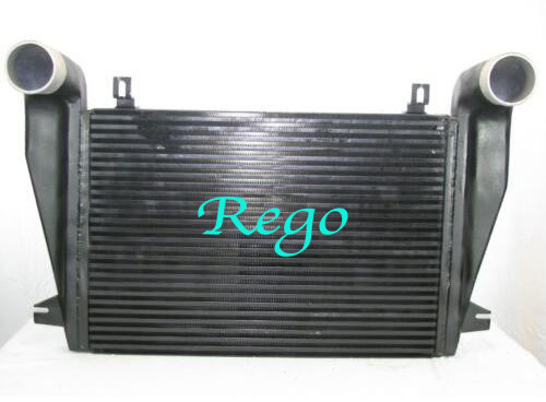 Freightliner Water Cooled Truck Intercooler Core For Diesel Engine Black Color